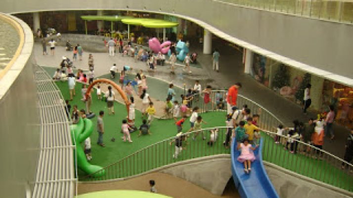 Kids friendly place – Vivocity