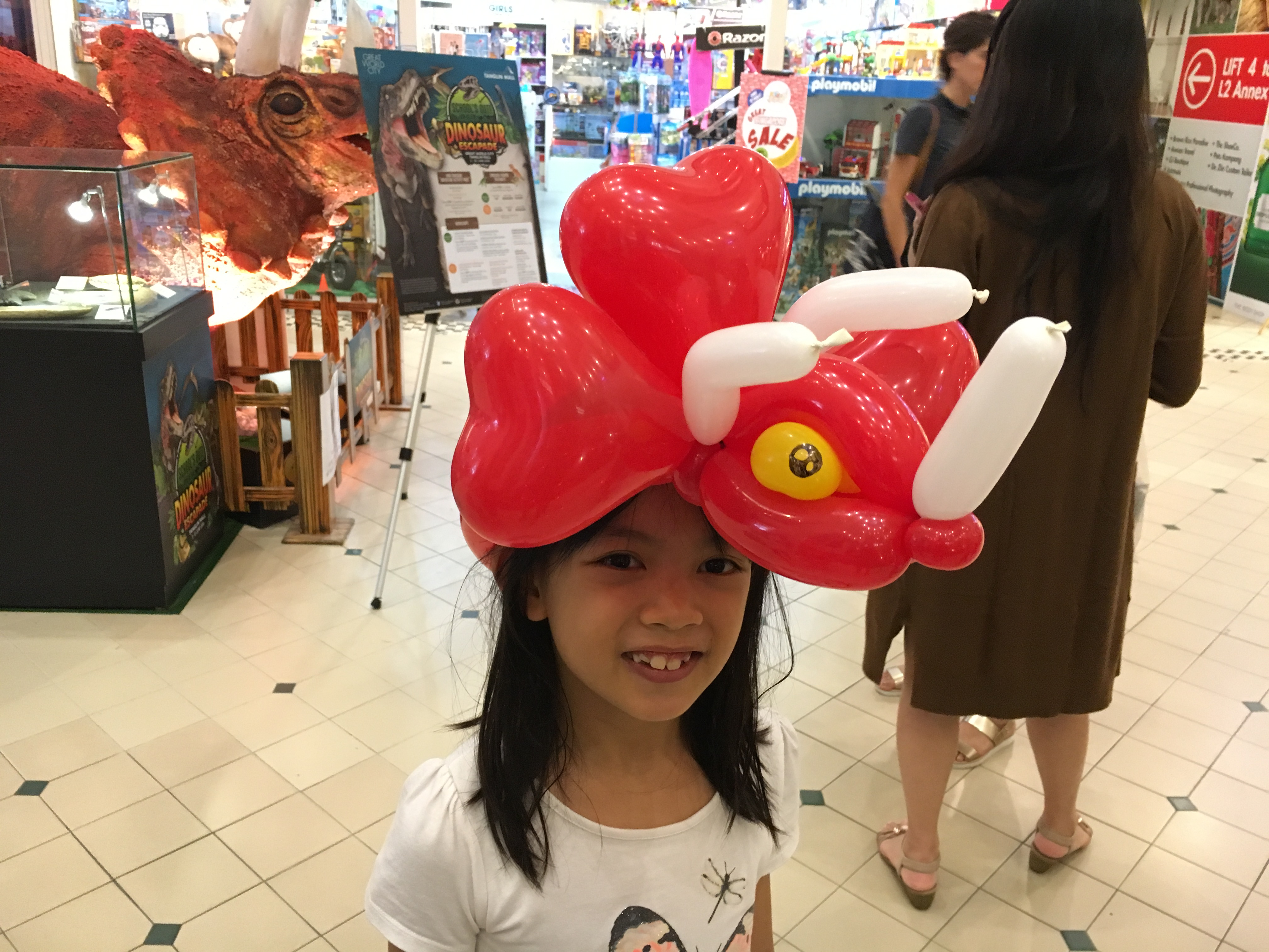triceratops balloon sculpture