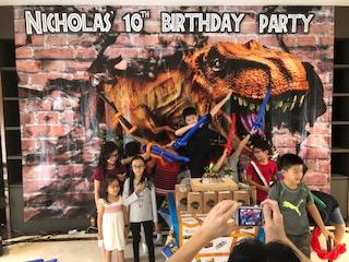 Customised 3 x 4 m dinosaurs banner